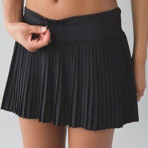 Lululemon pleat to street black skirt EUC 6